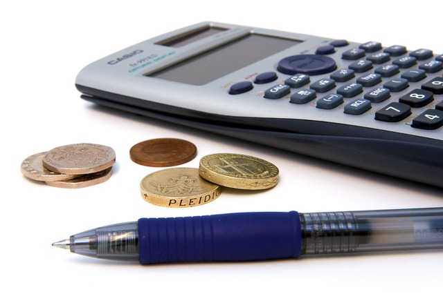 HMRC reminder to employees to claim their tax deductible expenses