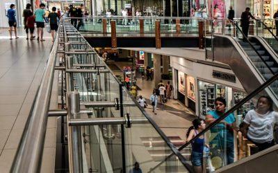 UK retail sales drop alongside online shopping